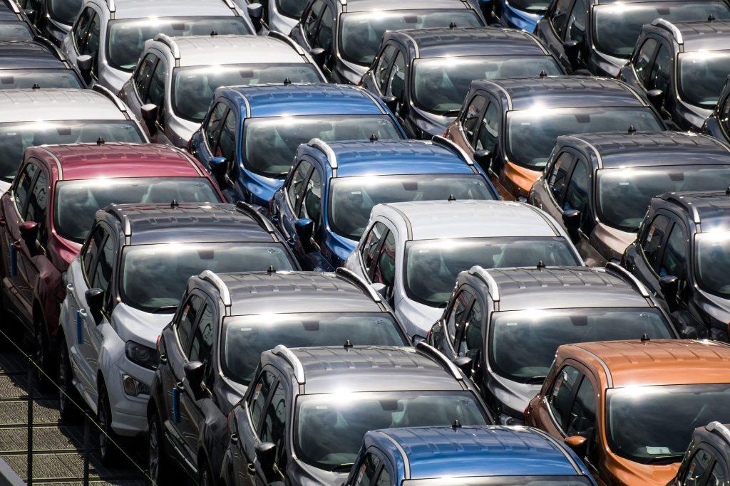 piata auto de masini noi in declin