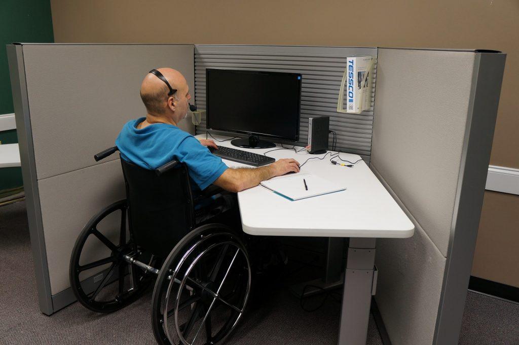 Loc de muncă-persoană cu dizabilitate
